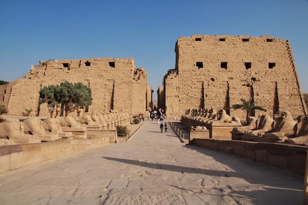 Oude tempel karnak in luxor, egypte