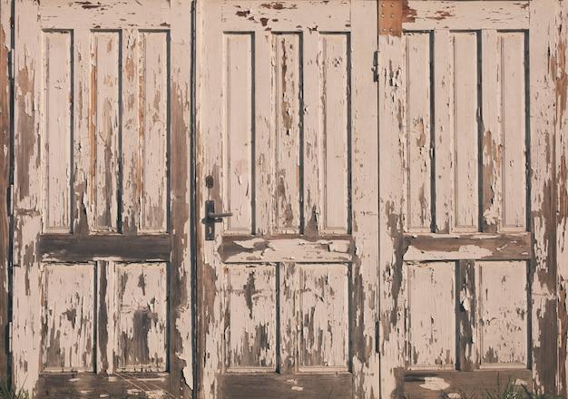 Oude vintage houten deur met witte verf