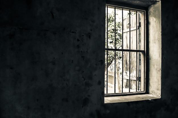 Oude vintage raam open