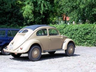 Oude volkswagen kever uit de tweede wereldoorlog 2, het vervoer
