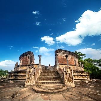 Oude watadagayaruïnes in polonnaruwa