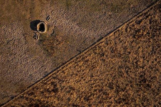 Oude waterput in de dehesa de la luz pozo de las matanzas spanje