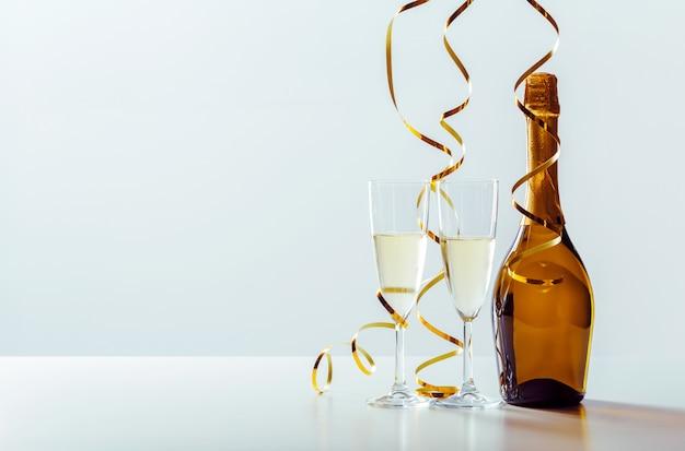 Oudejaarsavondviering met champagne