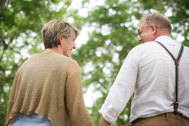 Ouder paar in de liefde