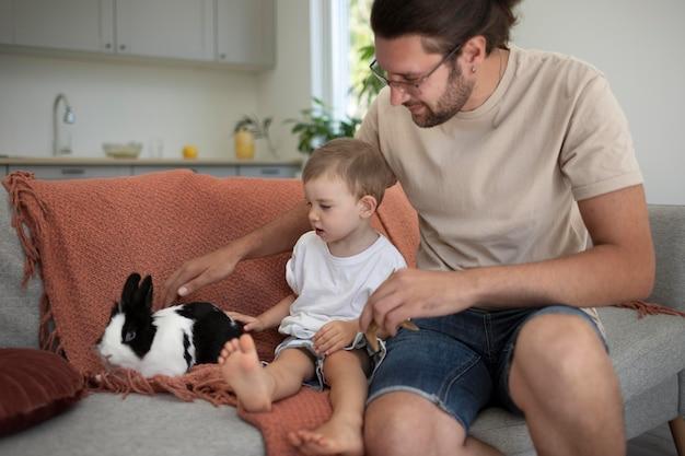 Ouders die quality time met hun kind doorbrengen