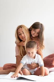 Ouders die quality time met hun kinderen doorbrengen