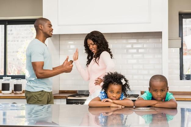 Ouders ruzie maken voor kinderen
