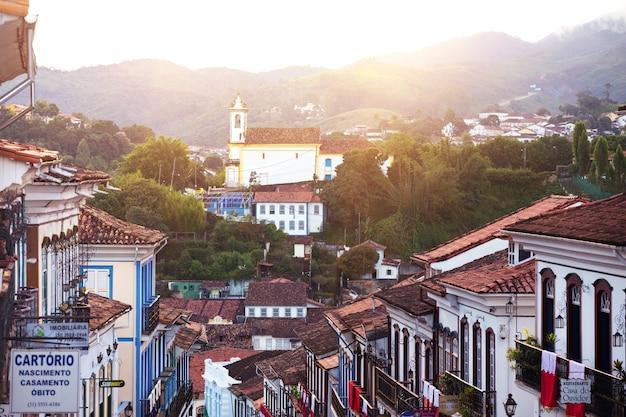 Ouro preto, brazilië - 18 maart 2018:, uitzicht op de historische stad ouro preto, minas gerais, brazilië