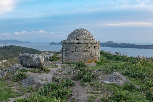 Overblijfselen van een oud galicisch-romeins heiligdom dat bekend staat als
