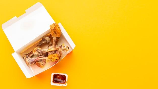 Overgebleven drumsticks voor voedselafval kopiëren ruimte