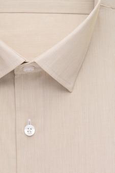 Overhemd, gedetailleerde close-up kraag en knoop, bovenaanzicht