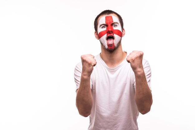 Overwinning, gelukkig en doel schreeuwen emoties van britse voetbalfan in spelondersteuning van het engelse nationale team op witte achtergrond.
