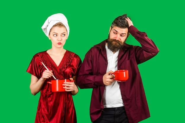 Paar aan het ontbijt. koffie ochtend. man en vrouw ontbijten samen. paar, relatie, liefde, romantisch, genegenheid, lifestyle concept.