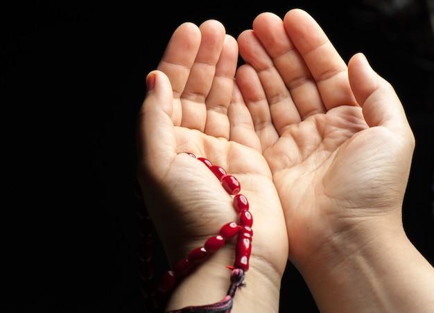 Paar handen bidden
