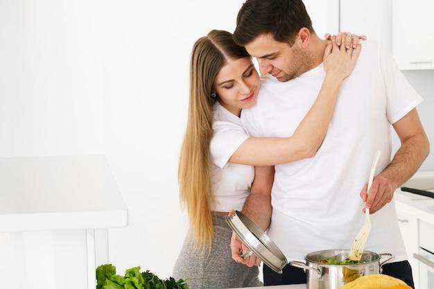 Paar momenten tijdens het koken