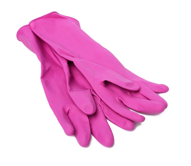 Paar roze beschermende rubberen handschoenen voor het reinigen op een witte achtergrond, bovenaanzicht