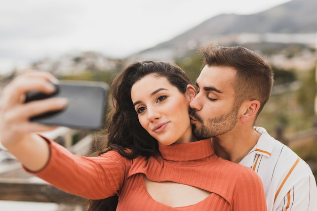 Paar selfie te nemen