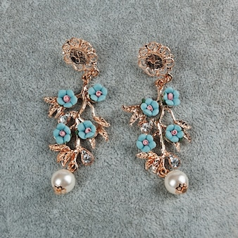 Paar vintage oorbellen
