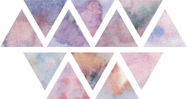Paarse, violette en roze driehoekensamenstelling, waterverfachtergrond.