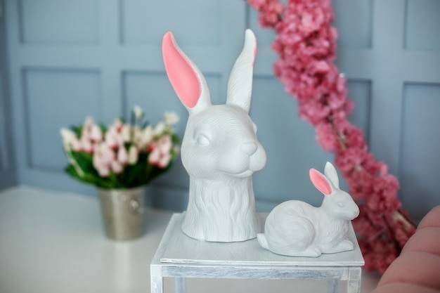 Paas porselein konijnen decor met bloemen