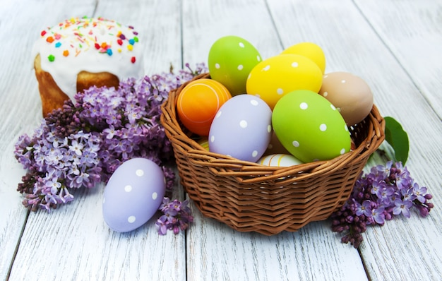 Paasbrood en eieren
