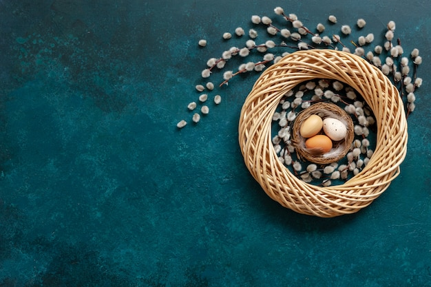 Paaseieren in het nest
