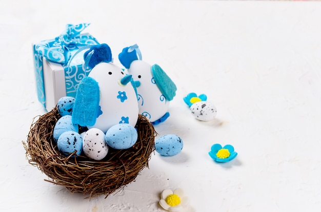 Paasvakantie samenstelling van decoratieve eieren,