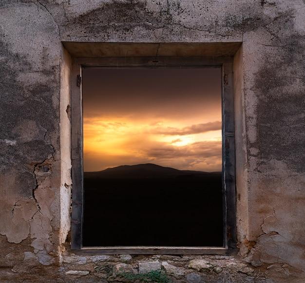 Paisaje desde la ventana de la vieja fabrica