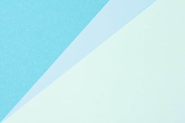 Pak blauwe vellen pastelkleurig papier