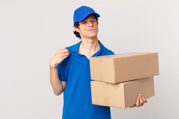Pakket bezorgt man die er arrogant, succesvol, positief en trots uitziet