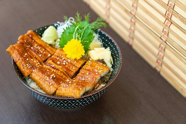 Paling (unagi) op rijstkom met deksel (donburi)