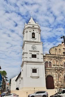 Panama metropolitan cathedral in casco viejo, panama-stad, midden-amerika