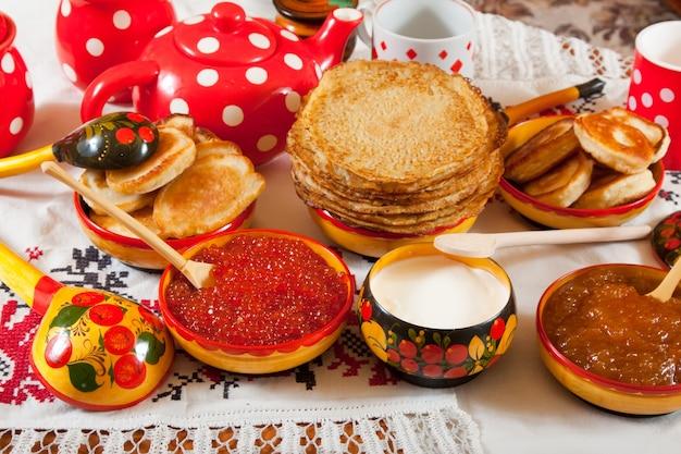 Pannenkoek met rode kaviaar