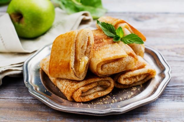 Pannenkoeken gevuld met appels