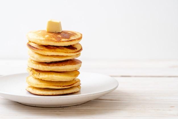 Pannenkoeken met boter en honing