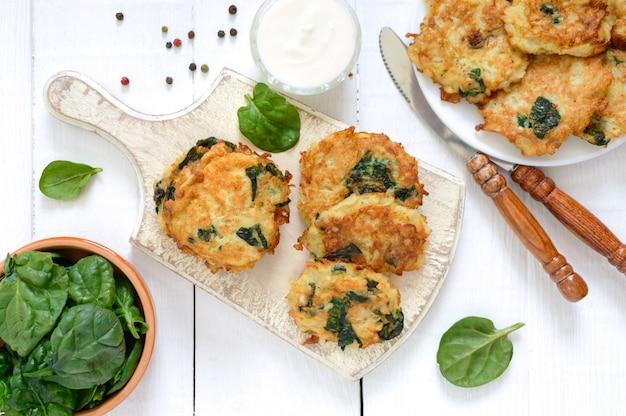 Pannenkoeken met kool en spinazie.