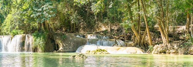 Panorama chet sao noi-waterval in nationaal park