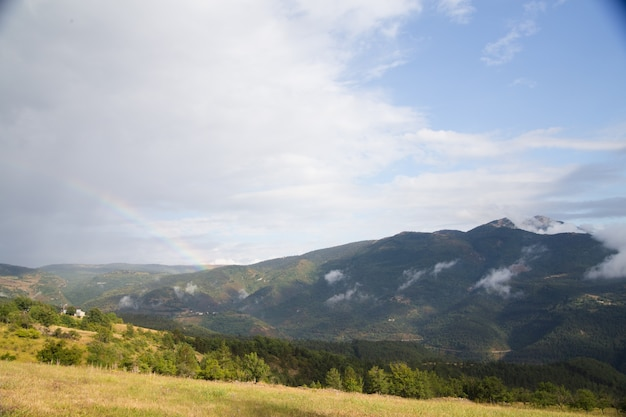 Panorama van bergen.