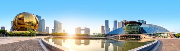 Panorama van de nieuwe stad van hangzhou qianjiang, china