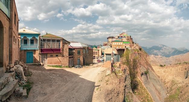 Panorama van het authentieke dagestani bergdorp choh. rusland.