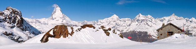 Panorama van het panoramische landschap van de matterhorn