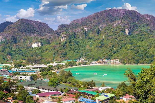 Panorama van phi phi don-eiland, thailand
