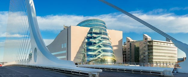Panoramisch beeld van convention centre dublin (ccd)