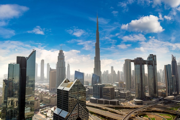 Panoramisch luchtfoto van het centrum van dubai, verenigde arabische emiraten
