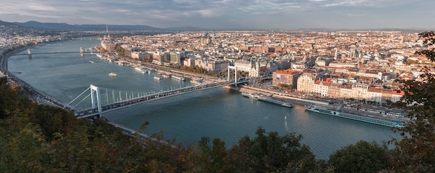 Panoramisch uitzicht over de stad boedapest, hongarije