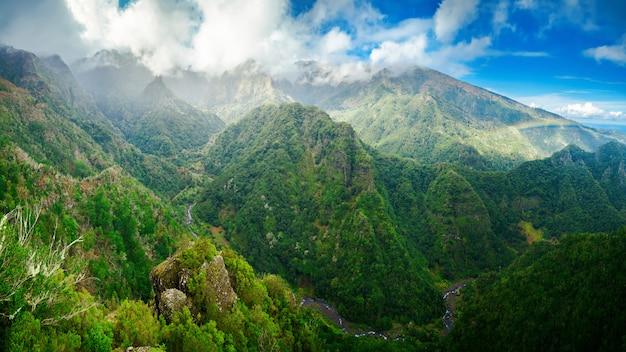 Panoramisch uitzicht vanaf levada balcoes