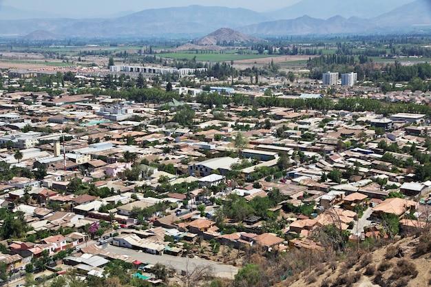 Panoramisch zicht op de stad los andes in chili