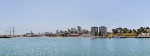 Panoramisch zicht op een kustgebied van de stad san francisco