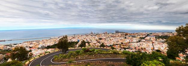 Panoramisch zicht op santa cruz de tenerife