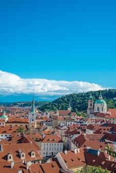 Panoramische toneelmening van de stadshorizon van praag, praag, tsjechische republiek